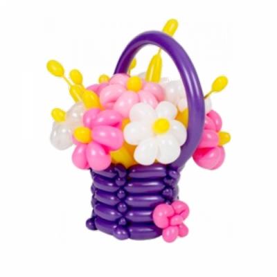 Сиреневая корзинка с цветами