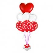 Фонтан с сердцами и поцелуями